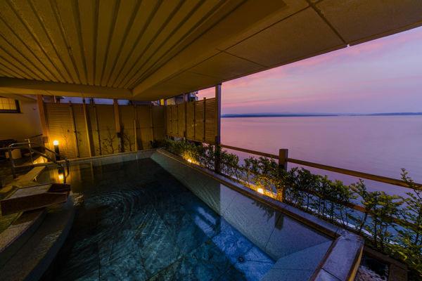 加賀屋恵比寿の湯の空中露天風呂