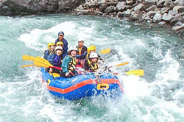 激动人心的富士河漂流之旅