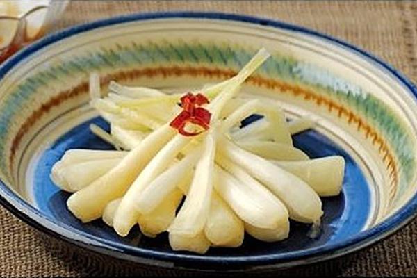 腌制的Shima-rakkyo锅